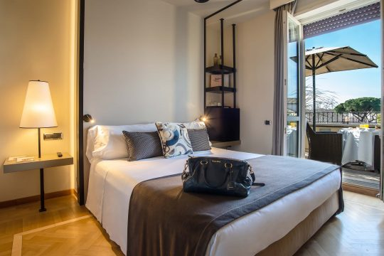 47-boutique-hotel-505-executive-con-terrazza-prima-foto